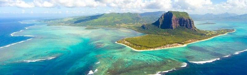 Уникальный подводный водопад на острове Маврикий