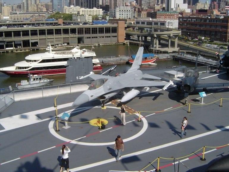 Авианосец Интрепид: национальный музей военно-морской, воздушной и космической техники