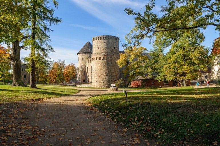 Десятка лучших достопримечательностей в Латвии