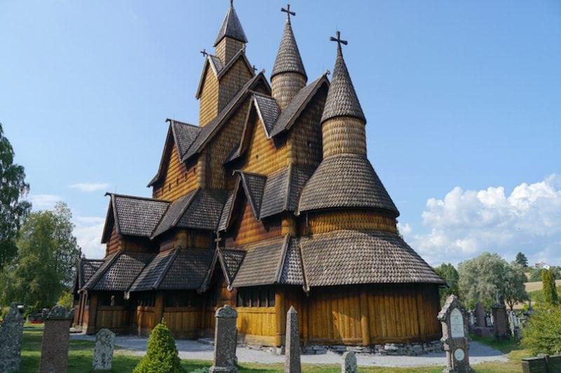 10 старинных деревянных церквей в Норвегии