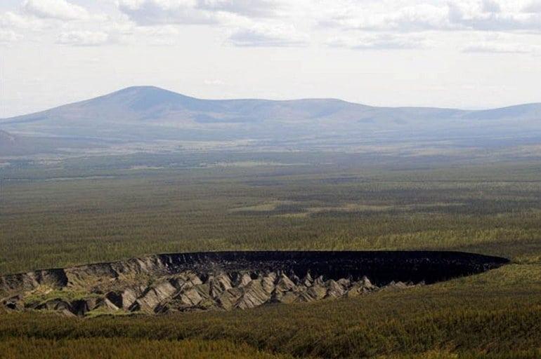 Уникальный кратер посреди лесов Сибири