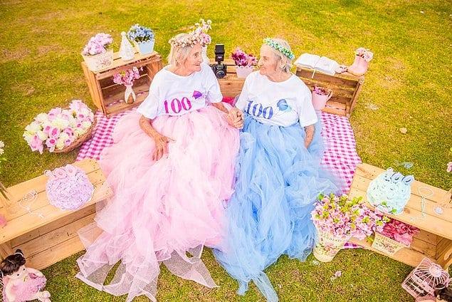 Бабули-близняшки отпраздновали свой 100-летний юбилей!