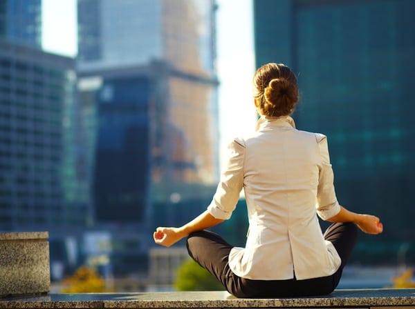 Избавьте себя от этих 9 привычек и вас станут уважать как женщину