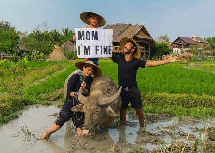 """""""Мама я в порядке"""": парень присылает маме оригинальные фото из путешествий"""