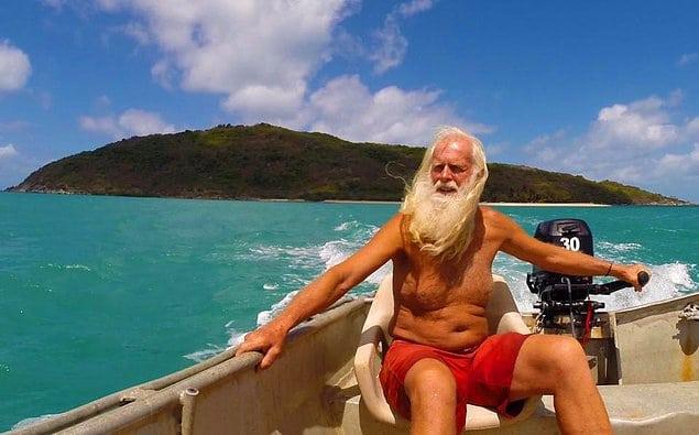 Миллионер в прошлом, Робинзон в настоящем: мужчина более 20 лет живет один на острове