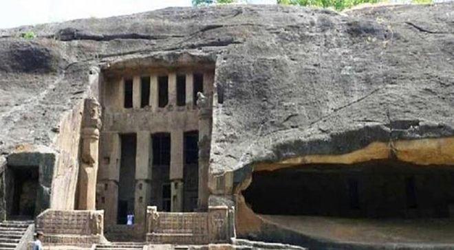 Мужчина охотился на тигра и случайно забрел в эту пещеру...