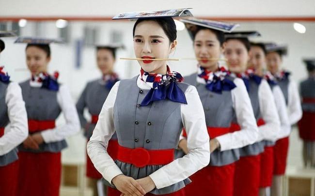 стюардессы в Китае