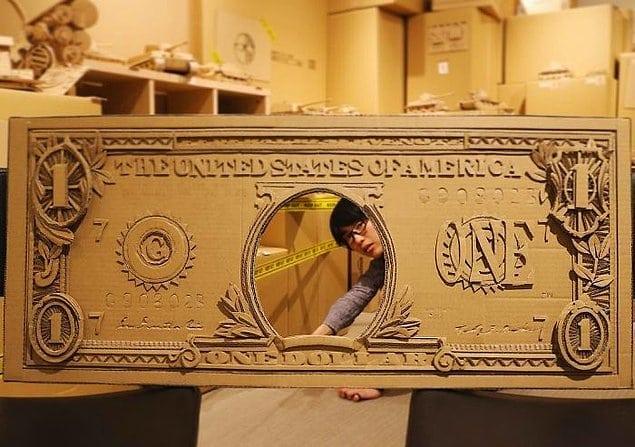 Эта женщина делает завораживающие скульптуры из обычного картона