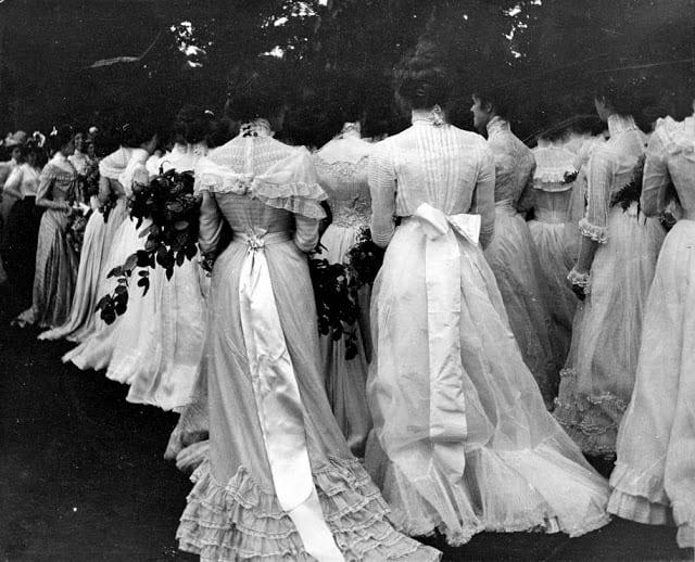18 необычных снимков из прошлого над которыми стоит подумать