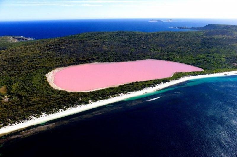 необычные озёра с розовой водой