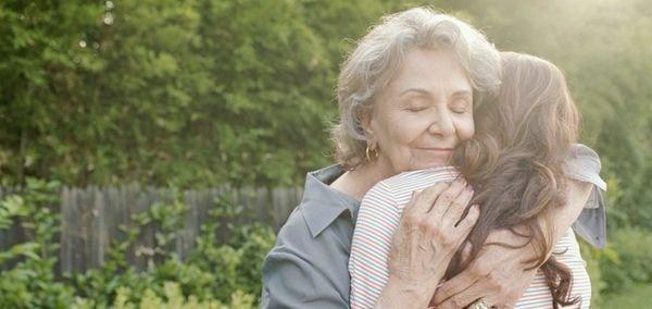 Бабушка позволяла внукам делать все что угодно. И вот почему...