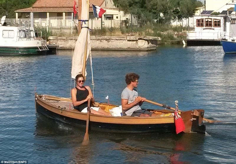 путешествие из Англии во Францию на самодельной лодке