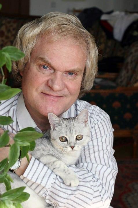Народный артист России Юрий Куклачев и его любимые кошки