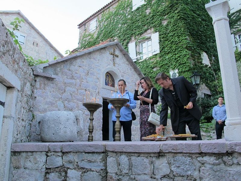 """Роскошный отель класса """"де-люкс"""" на побережье Черногории"""