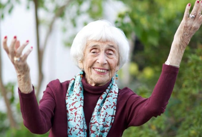 Известный психолог Хедда Болгар делится советами, как встретить старость с улыбкой на лице?
