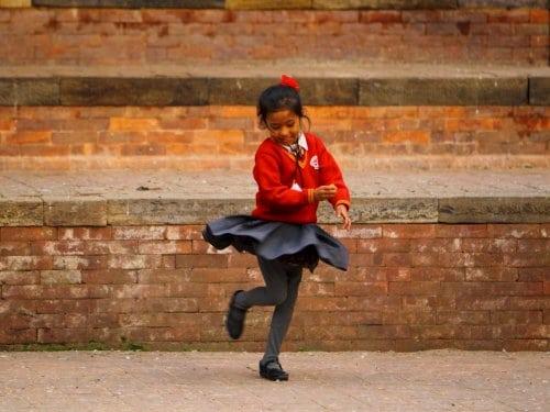 Скоро в школу: Какую форму носят школьники разных стран