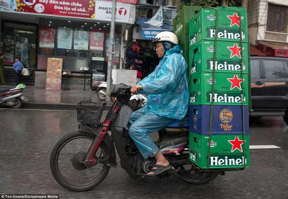 Сумасшедшие вьетнамцы, что они только не возят на мотобайках