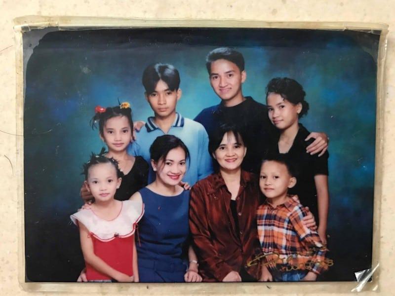 дети подарили маме поездку по Азии